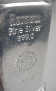 1-Kilo-Silberbarren: Die Nachfrage nach Anlageprodukten aus Silber ist weiterhin groß.