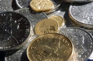 Goldmünzen und Silbermünzen (Foto: Evan Luthye - Fotolia)