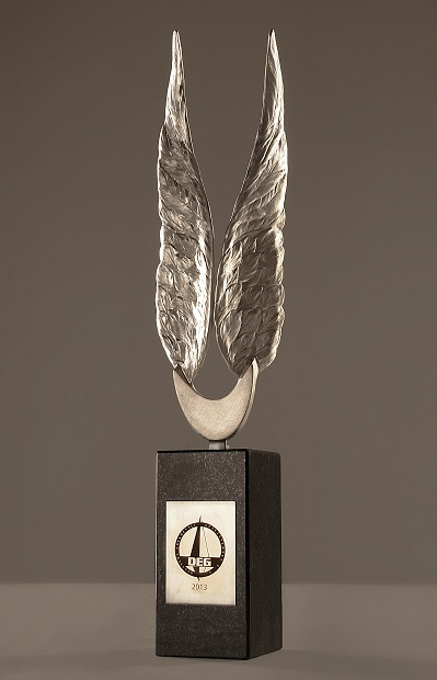 DEG Fluegellskulptur (Foto: DEG)