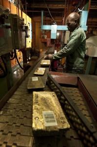 Goldbarren in Rohform (Foto: Rand Refinery)