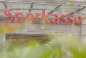 Sparkasse quer