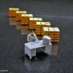 Gold-Desk-Kl