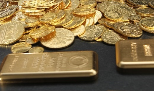 Gold kaufen, Bargeld, Goldmünzen, Goldbarren (Foto: Goldreporter)